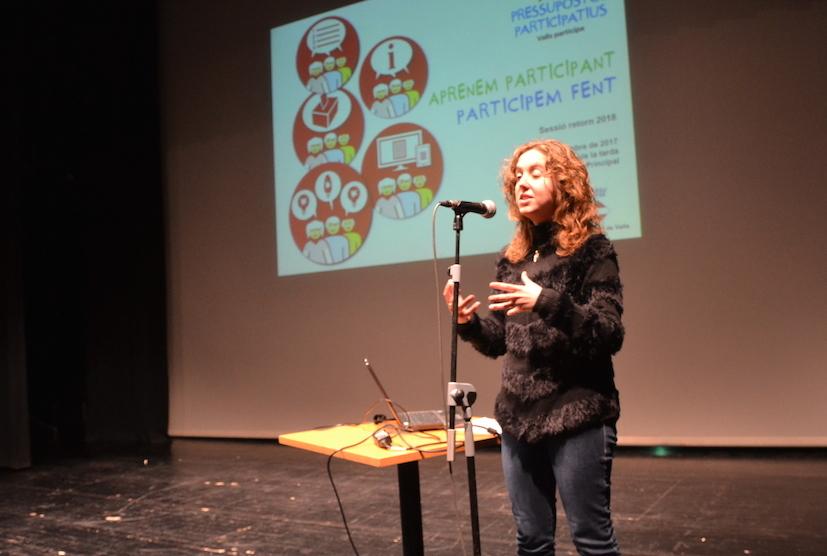 Núria Gavarró, donant a conèixer els guanyadors