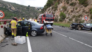 Accident múltiple greu a la C-14 de la Riba