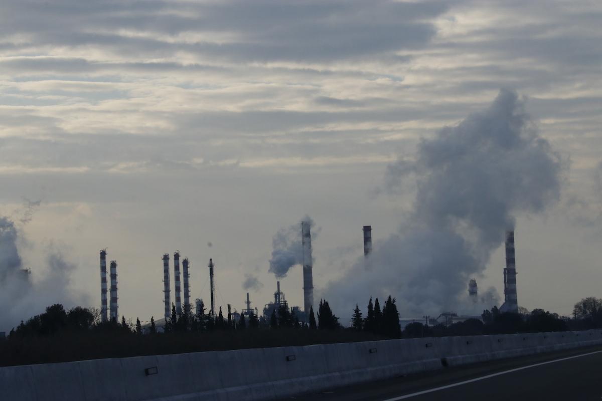 El gas en una neteja de tancs de la Repsol de la Pobla no és tòxic