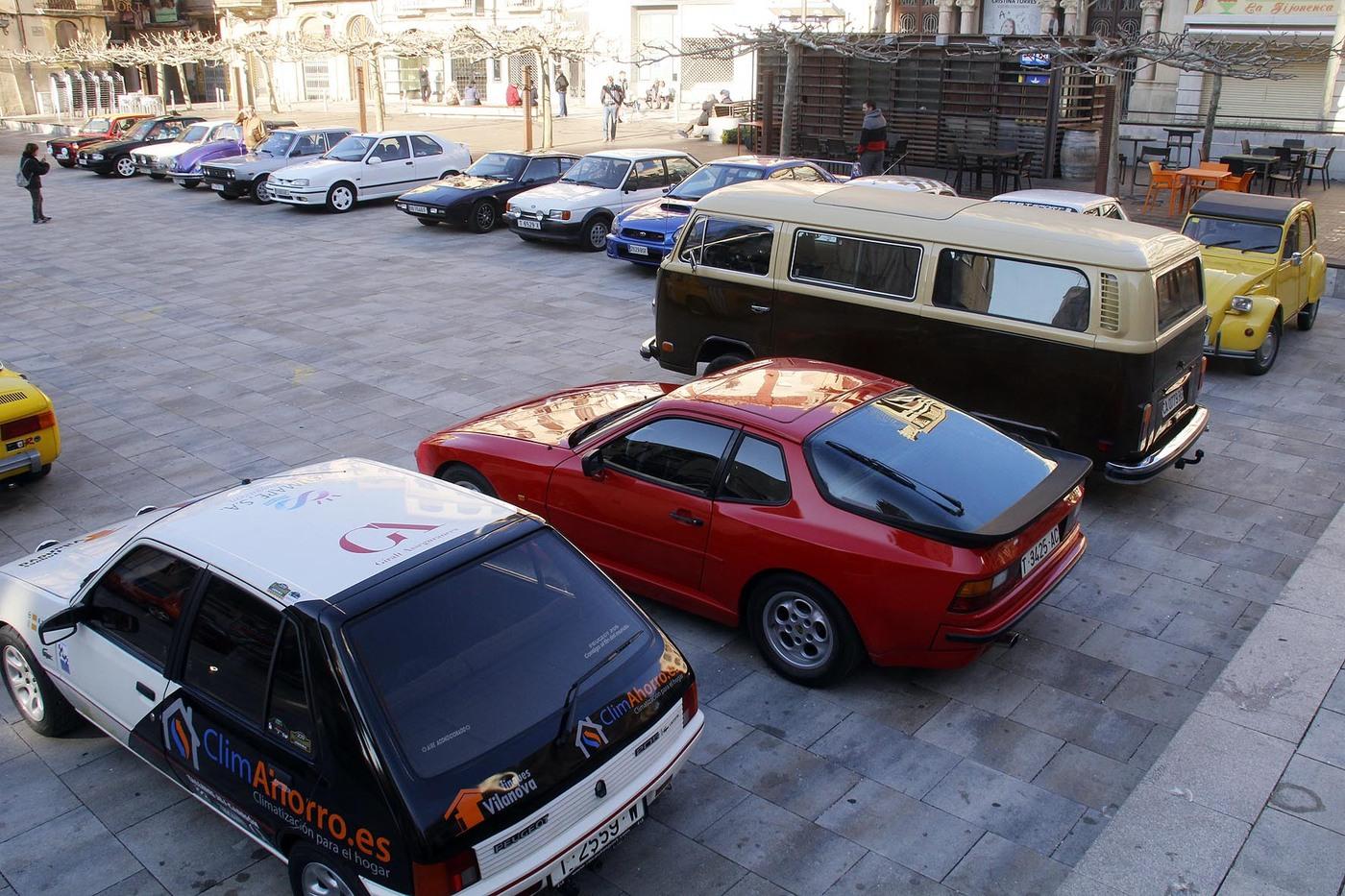 Vehicles clàssics es reuneixen a Valls